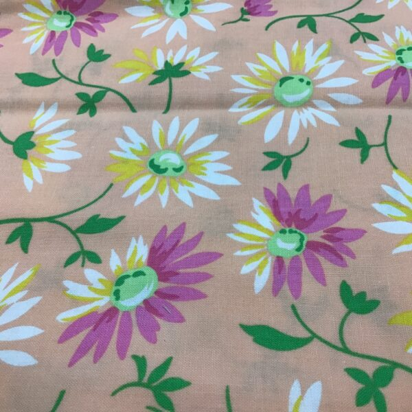 Good day Large Daisies 22371 Peach pink yellow by Moda